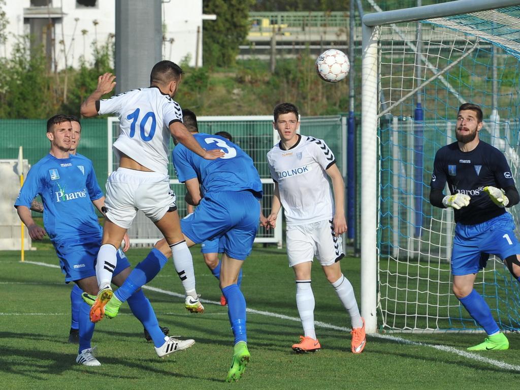 Pintér Norbert (10-es) fejes góljával szereztünk vezetést a ZTE ellen